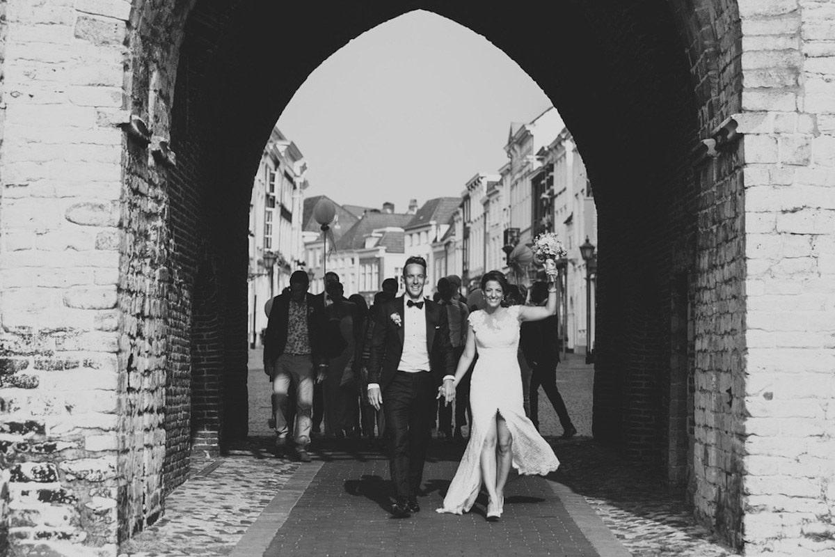 zwart wit foto pas getrouwd