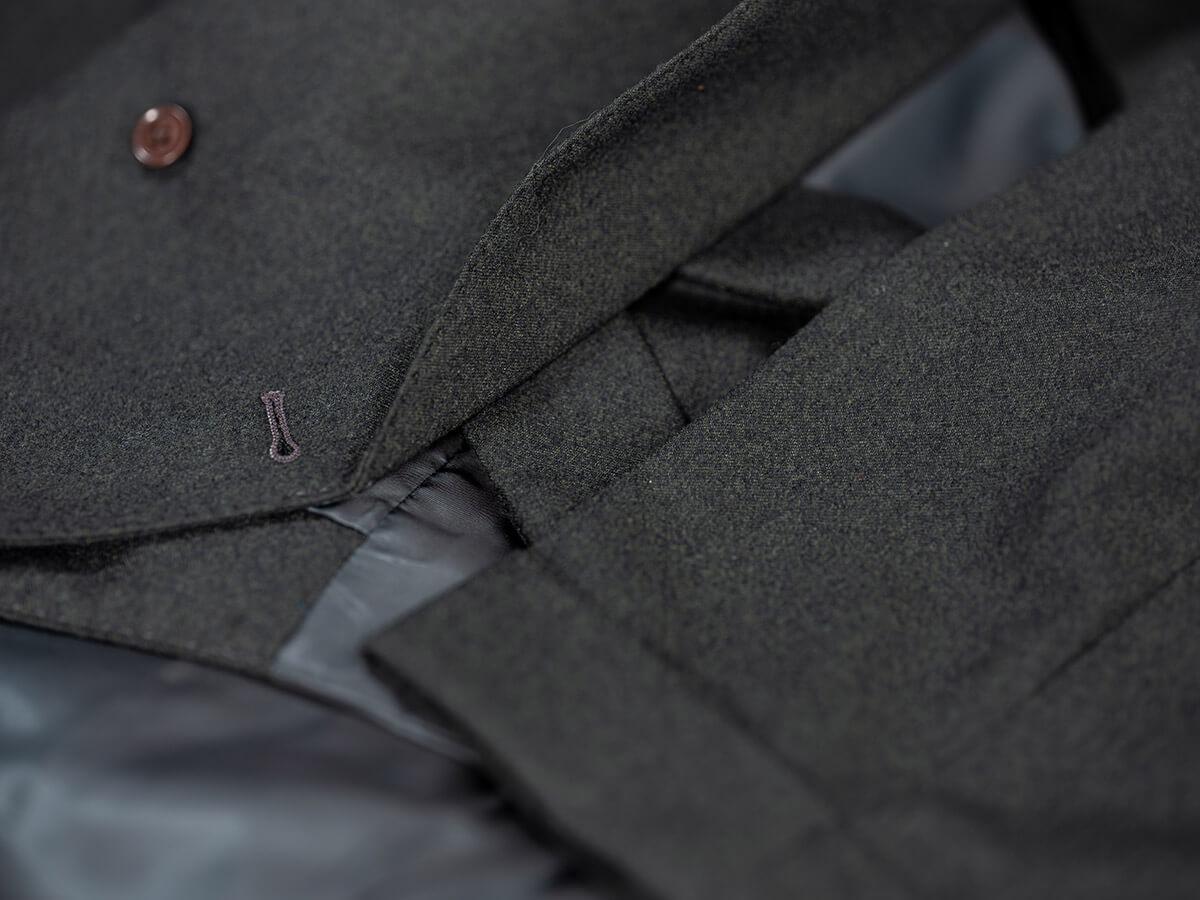 Omslag pantalon, knoopsgat
