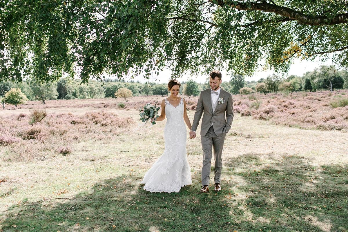 Landelijke bruiloft, groen, zon, rust, Boho