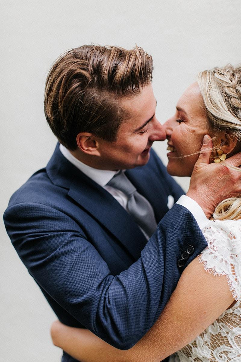 Kus van bruidspaar