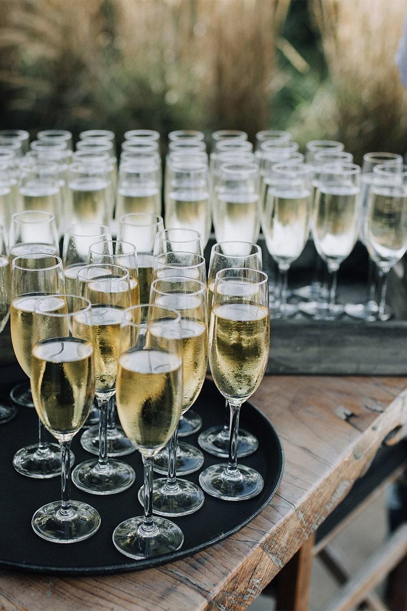 Champagne schenken, Champagne moment