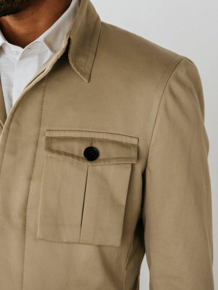Beige jasje, Patchpocket klepzak, Open boord, Safari jasje