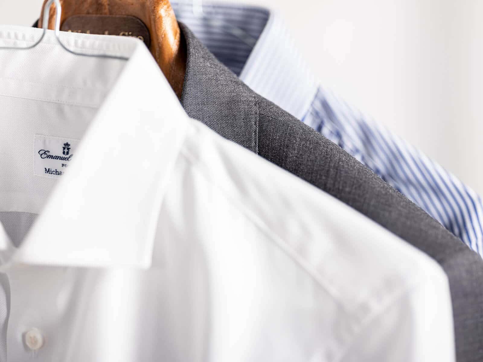 Garderobe details met maathemd en jasje