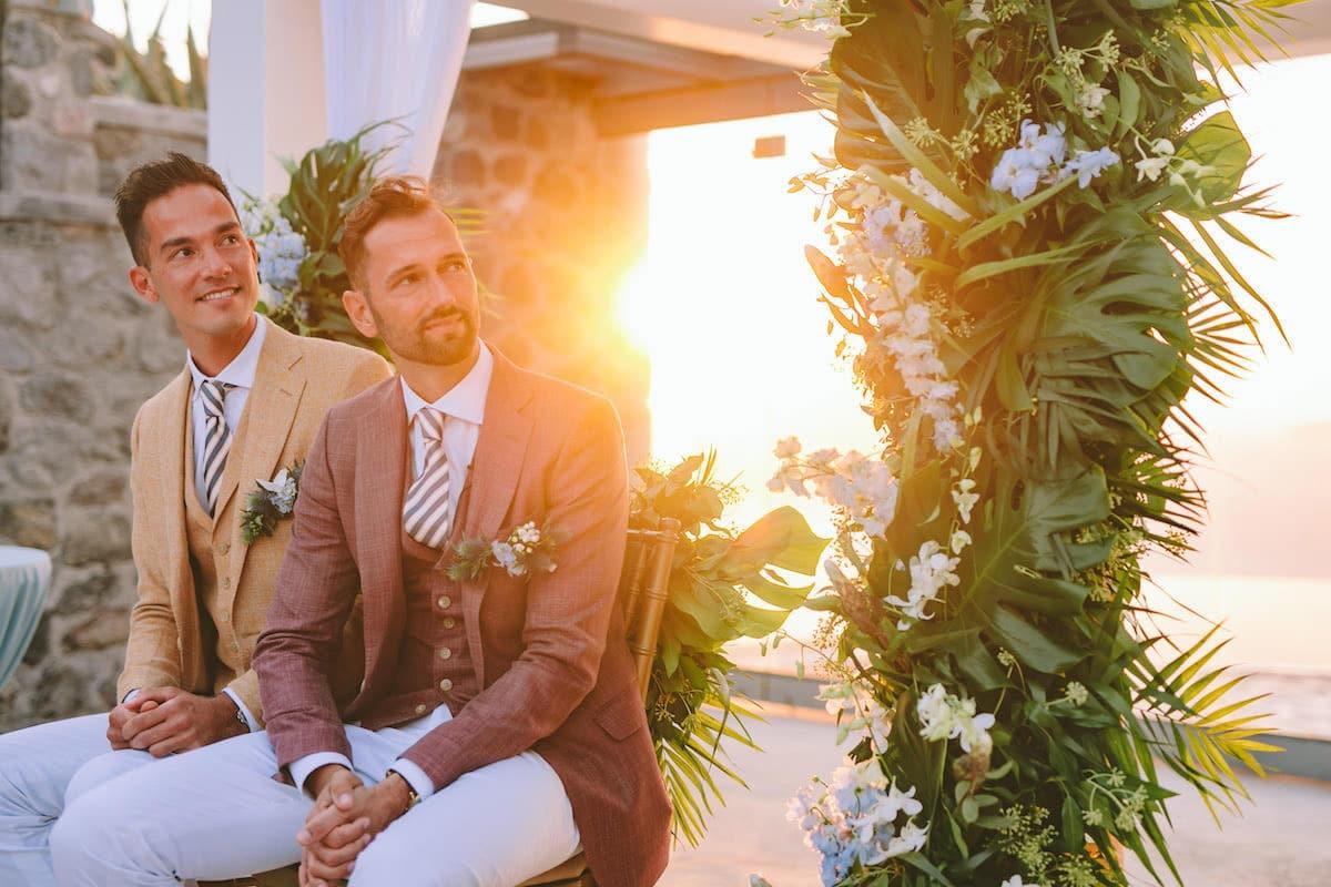 Gaywedding met zonsondergang