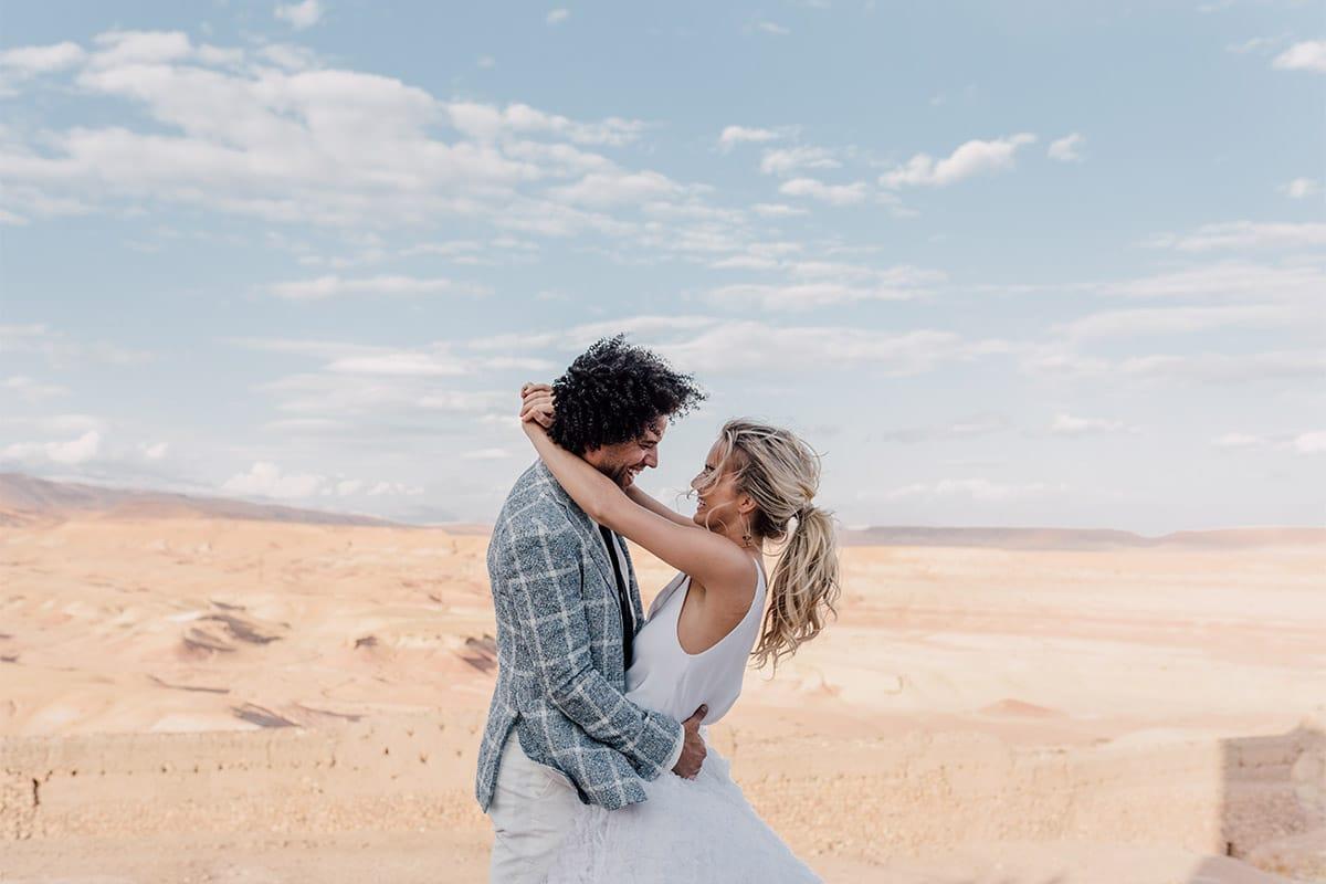 Marokko-woestijn-trouwen-koppel