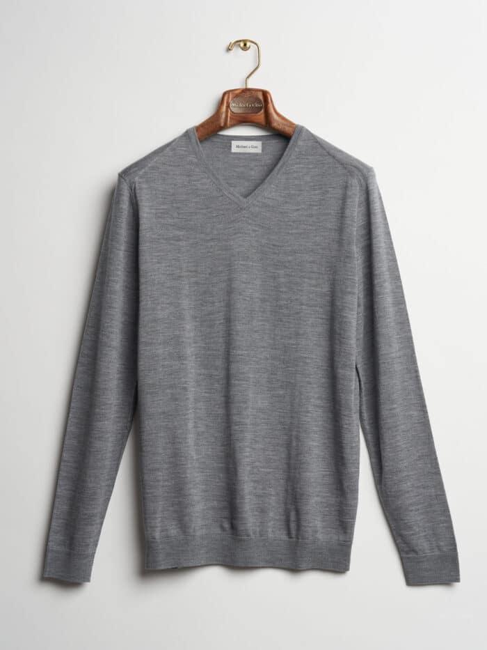 lichtgrijs v-hals pullover