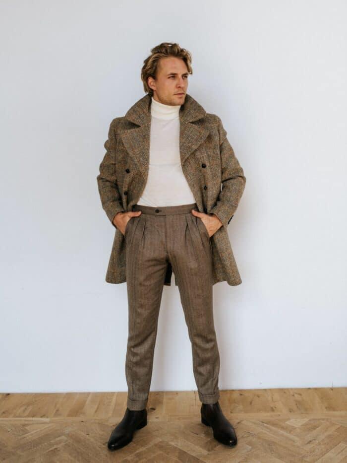 Overjas met coltrui en pantalon