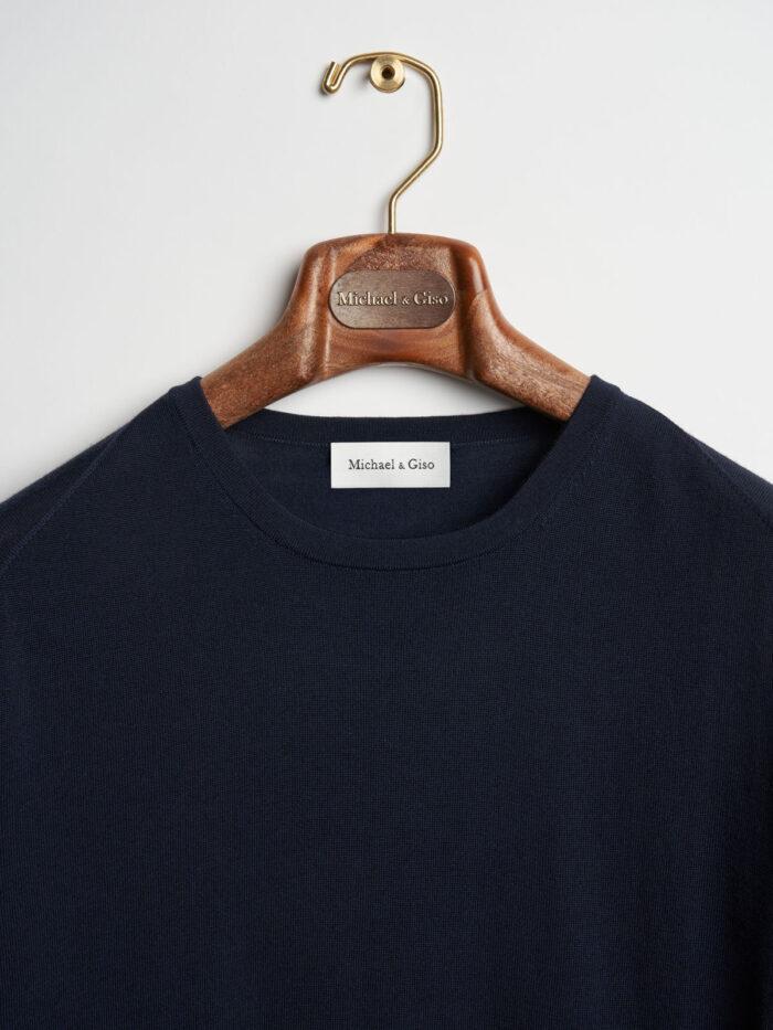 donkerblauwe trui ronde hals