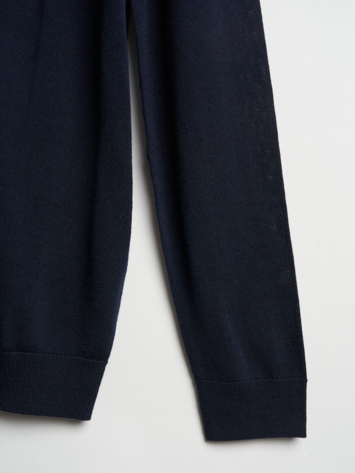 navy kleurtige trui