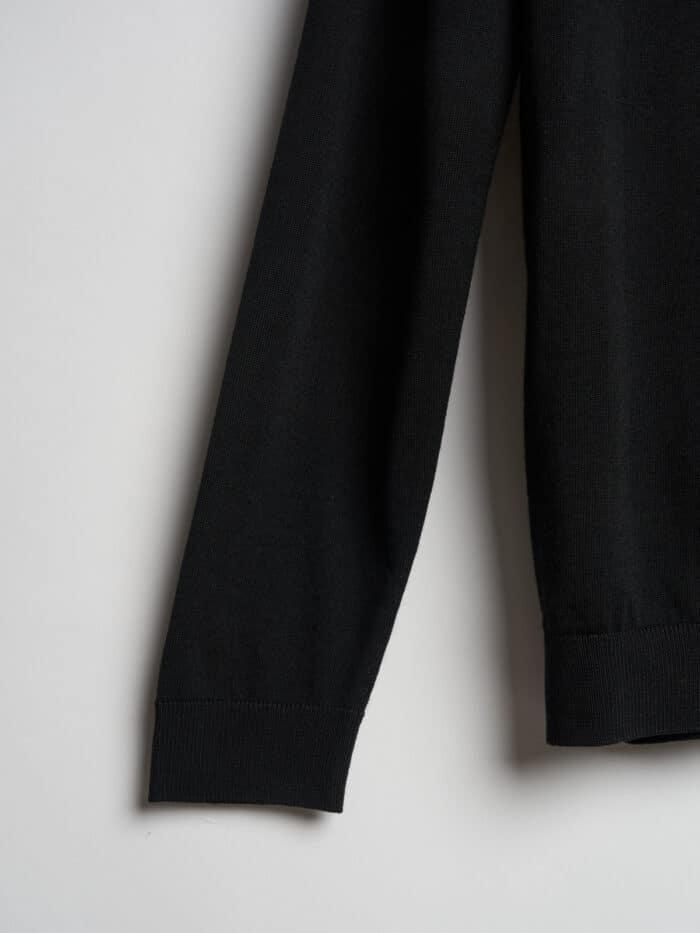 zwarte knitwear op maat