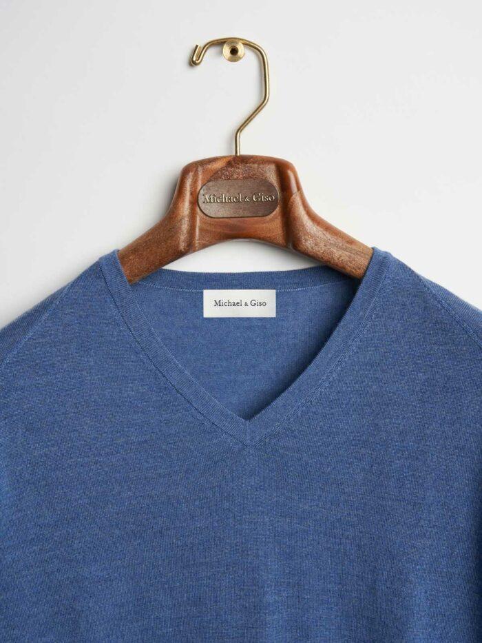 jeans kleurig truitje met v-hals