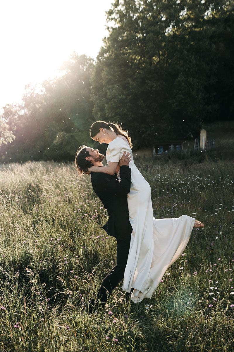 dansen in het gras
