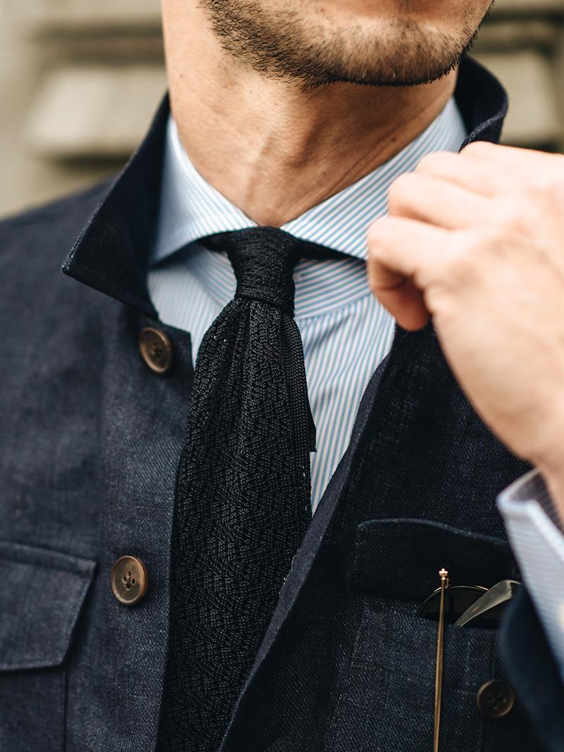 linnen overshirt met gestreept overhemd en das