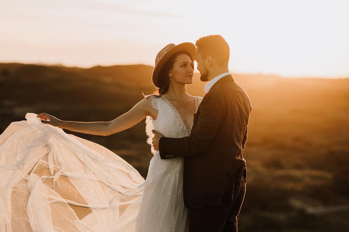 bruidsjurk met lange sluier