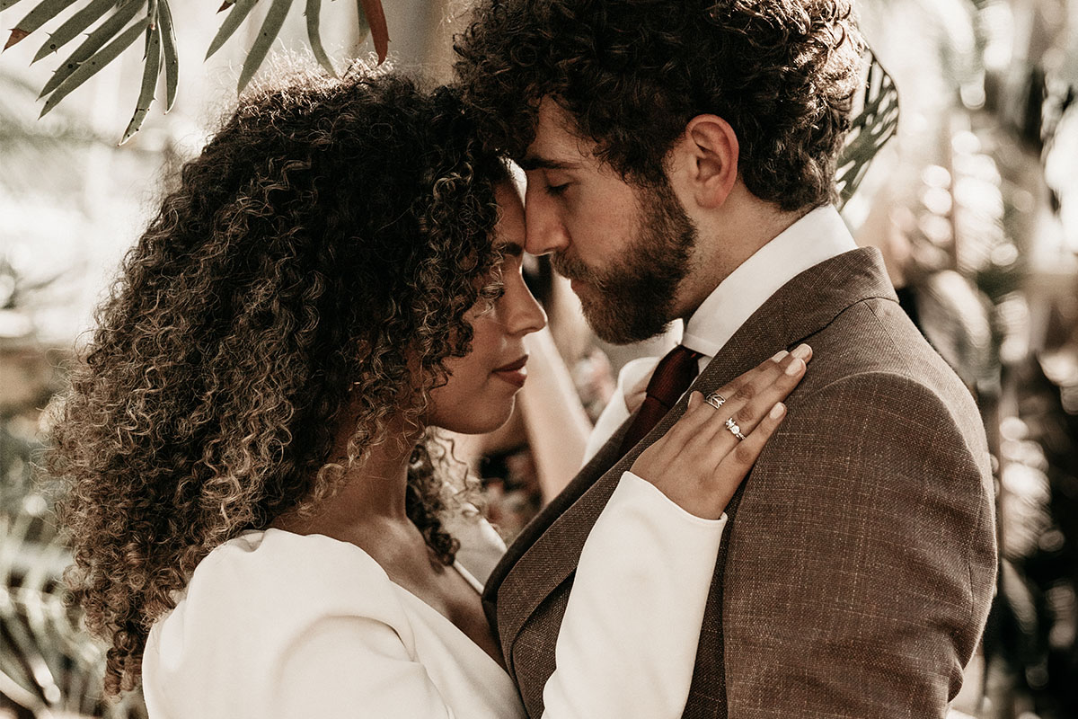 bruin-pak-tropisch-hortus-wedding-amsterdam-ceremonie