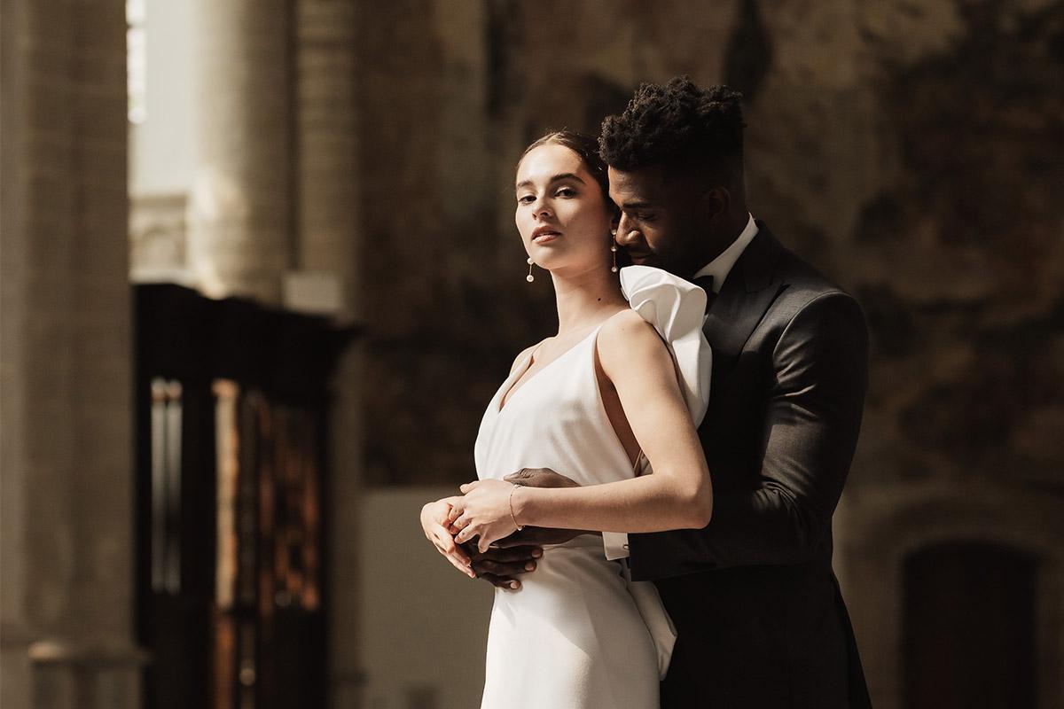 huwelijksdag-trouwen-smoking-maatpak-groom-bride-ceremonie